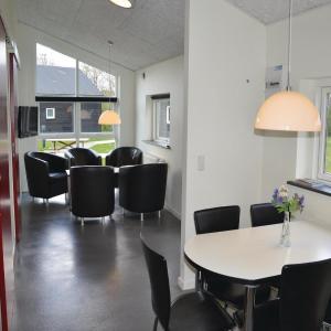 Hotel Pictures: Holiday home Halvejen hytte Spjald XI, Spjald