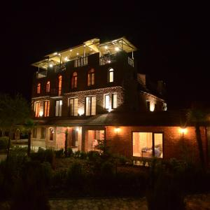 Hotellikuvia: Chateau Chikovani, Gordi