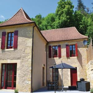 Hotel Pictures: Holiday home Les Eyzies 75 with Outdoor Swimmingpool, Les Eyzies-de-Tayac