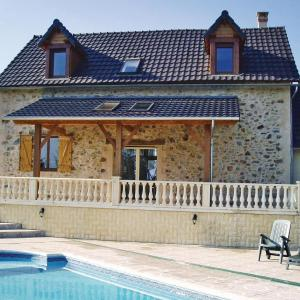 Hotel Pictures: Holiday Home Saint Mesmin with a Fireplace 04, Saint-Mesmin
