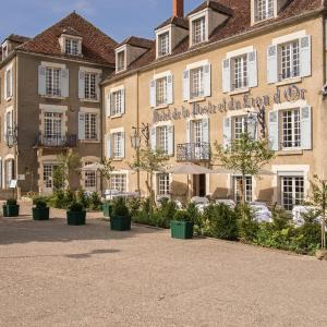 Hotel Pictures: Hôtel Restaurant De La Poste & Du Lion D'or, Vézelay