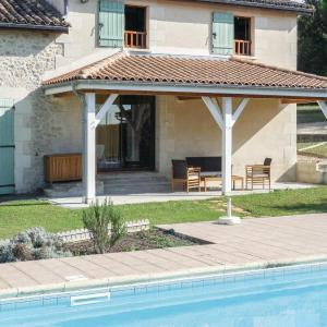 Hotel Pictures: Holiday Home La Grande Jeanne, Sainte-Gemme