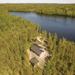 Hotel Pictures: Three-Bedroom Holiday Home in Lihavanpaa, Lihavanpää
