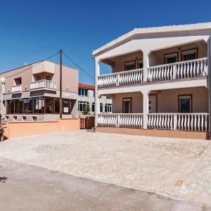 Zdjęcia hotelu: Three-Bedroom Apartment in Vir, Vir
