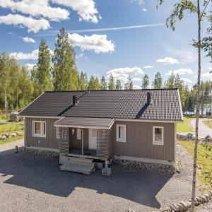 Hotel Pictures: Three-Bedroom Holiday Home in Kurtti, Kuortti