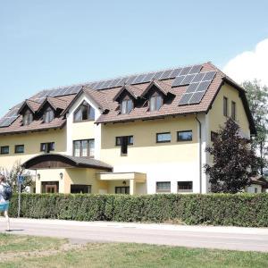Hotel Pictures: Apartment Cerna v Posumavi - 05, Černá v Pošumaví