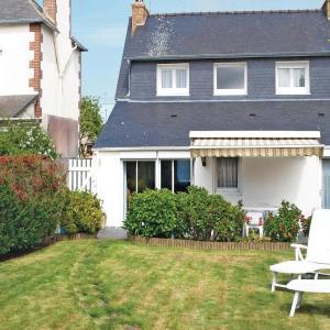Hotel Pictures: Holiday home rue de Verdun, Perros-Guirec