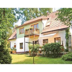 Hotel Pictures: Holiday home Horni Lanov J-979, Horní Lánov