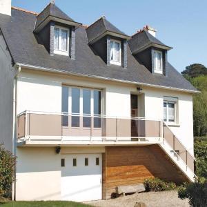 Hotel Pictures: Holiday home Rue du Moulin, Trévou-Tréguignec