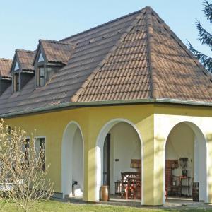 Hotel Pictures: Holiday home Uhlirske Janovice OP-757, Uhlířské Janovice