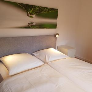 Hotel Pictures: Casa Bianca Brauweiler outskirts of Cologne, Pulheim