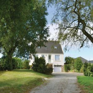 Hotel Pictures: Holiday Home Lanmeur with Hot Tub I, Lanmeur