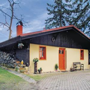 Hotel Pictures: Holiday home Horni Lochov, Holín