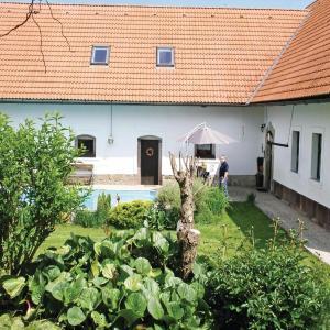 Hotel Pictures: Holiday home Kostalov AB-751, Košťálov