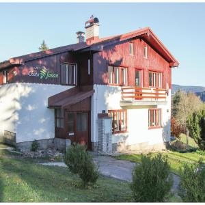 Hotel Pictures: Holiday Home Korenov with Fireplace II, Kořenov