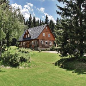 Hotel Pictures: Holiday home Smrzovka IJ-760, Smržovka
