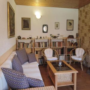 Hotel Pictures: One-Bedroom Holiday Home in Horousany, Horoušany