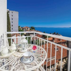 Hotellikuvia: Three-Bedroom Apartment with Sea View in Rijeka, Rijeka
