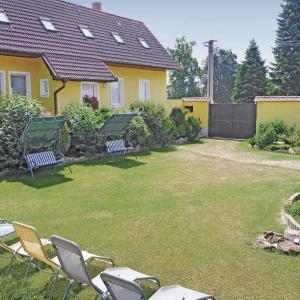 Hotel Pictures: Holiday home Zahori, Krakovčice