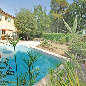 Hotel Pictures: Holiday Home chemin 10, Roquefort-les-Pins