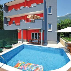 Zdjęcia hotelu: Holiday home Kastel Stari 97 with Outdoor Swimmingpool, Kaštela