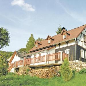 Hotel Pictures: Holiday home Sklena, Kraslice