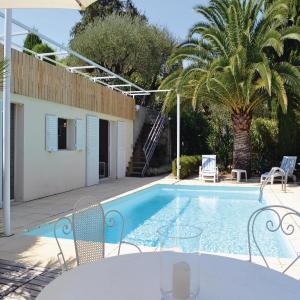 Hotel Pictures: One-Bedroom Holiday home Nice with an Outdoor Swimming Pool 03, Nice