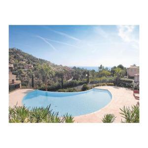 Hotel Pictures: Apartment Domaine De Rochemarine, Théoule-sur-Mer