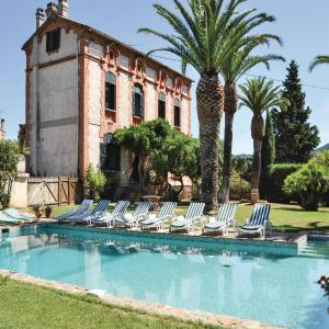 Hotel Pictures: Seven-Bedroom Holiday home La Londe Les Maures with a room Hot Tub 06, La Londe-les-Maures