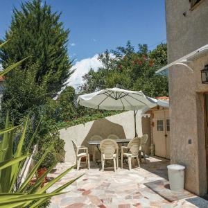 Hotel Pictures: Apartment La Trinite 29 with Outdoor Swimmingpool, La Trinité