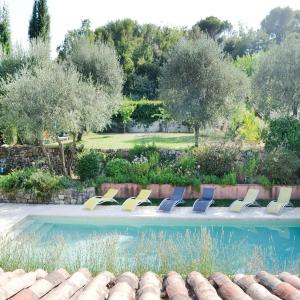 Hotel Pictures: Holiday Home Le Rouret with a Fireplace 09, Le Rouret