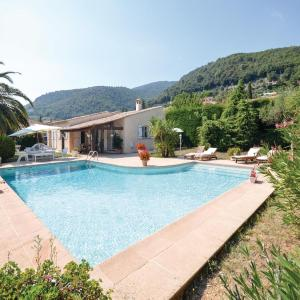 Hotel Pictures: Studio Holiday Home in Tourrettes sur Loup, Tourrettes-sur-Loup