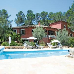 Hotel Pictures: Apartment Puget-sur-Argens 47 with Outdoor Swimmingpool, La Bouverie