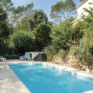 Hotel Pictures: Holiday Home Du Gros Du Mageau, Le Thoronet