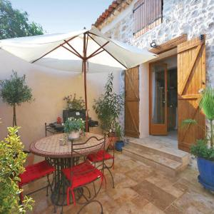 Hotel Pictures: One-Bedroom Holiday Home in Seillans, Seillans