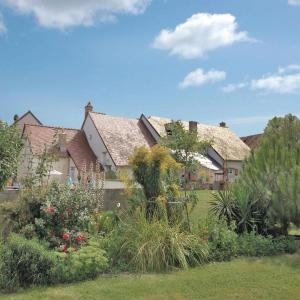 Hotel Pictures: Holiday home Dame Marie les Bois 41, Dame-Marie-les-Bois