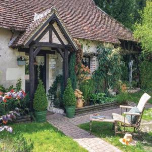 Hotel Pictures: Holiday home R.de Lavoir,Saugirard, Selles-sur-Cher