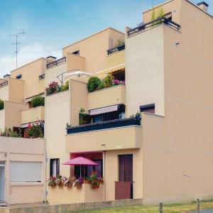 Hotel Pictures: Apartment Gretz-Armainvilliers 01, Gretz-Armainvilliers