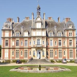 Hotel Pictures: One-Bedroom Apartment in Ocquerre, Ocquerre
