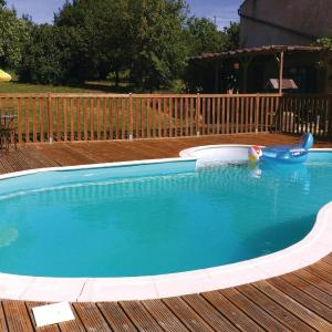 Hotel Pictures: Three-Bedroom Holiday Home in Moutieres sous Argent., Moutiers-sous-Argenton