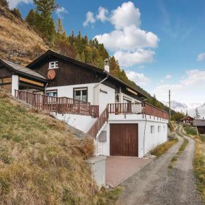 Hotel Pictures: Chalet Berganemone, Törbel