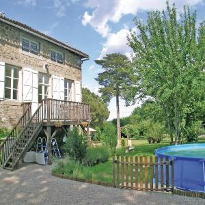 Hotel Pictures: Holiday home Le Vignaud L-778, Saint-Germain-de-Confolens
