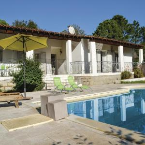 Hotel Pictures: Three-Bedroom Holiday Home in Ste lucie de p.vecchio, Mangialla