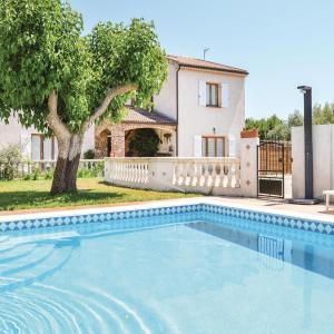 Hotel Pictures: Holiday home Aleria CD-1361, Aléria