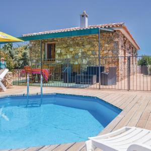 Hotel Pictures: Three-Bedroom Holiday Home in Ventiseri, Ventiseri