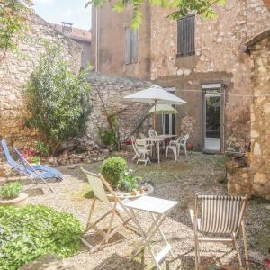 Hotel Pictures: Apartment Sigean Chemin De La Palme, Sigean