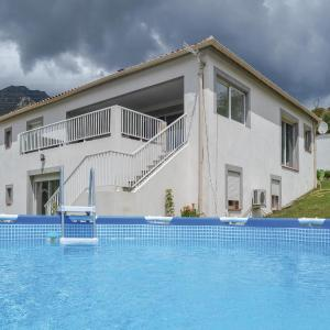 Hotel Pictures: Four-Bedroom Holiday Home in Ocana, Ocana