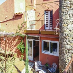 Hotel Pictures: Four-Bedroom Holiday Home in Lagrasse, Lagrasse