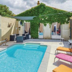 Hotel Pictures: Four-Bedroom Holiday Home in La Redorte, La Redorte