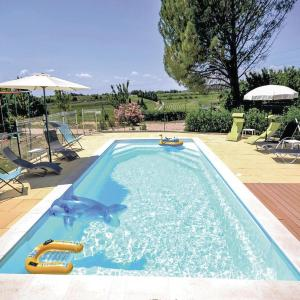 Hotel Pictures: Holiday home Chemin du Jas des Vaches, Domazan
